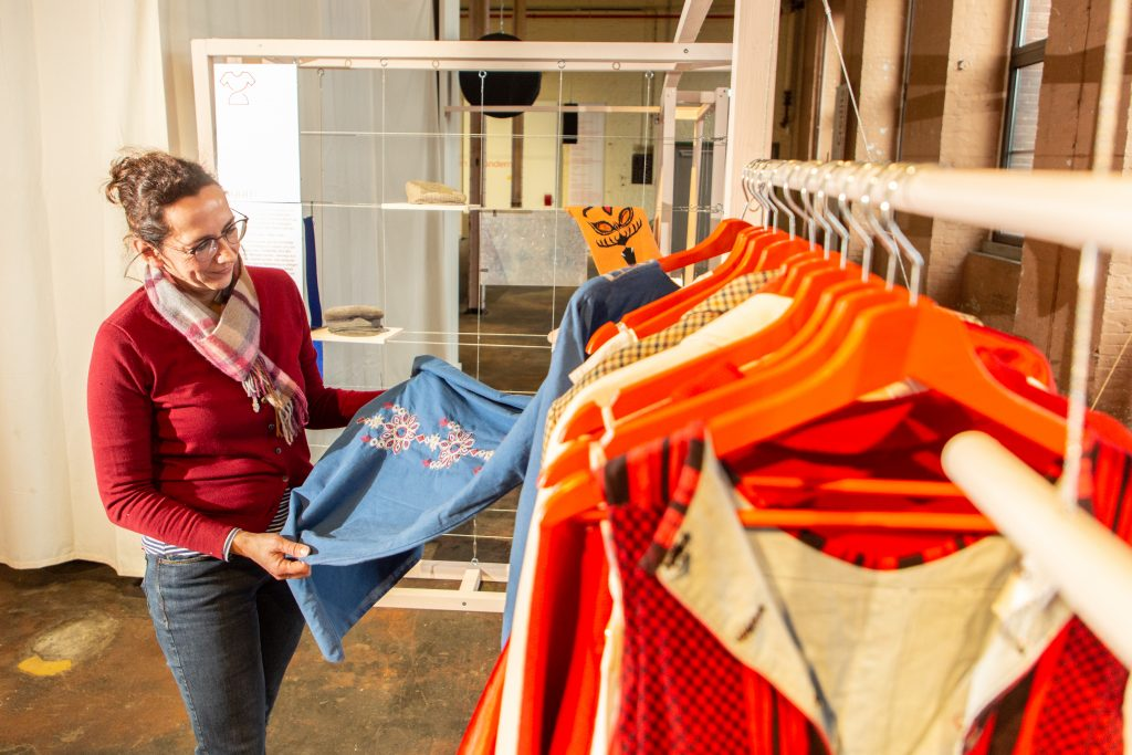 """LWL Sonderausstellung im Textilwerk Bocholt """"USE-LESS. Slow Fashion gegen Verschwendung und hässliche Kleidung."""""""